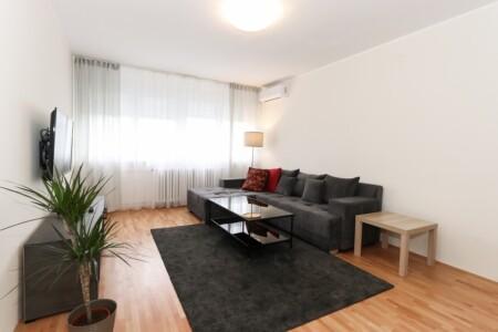 apartman kod hotela jugoslavije novi beograd